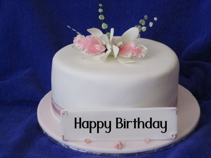 latest Happy Birthday female white cake photo